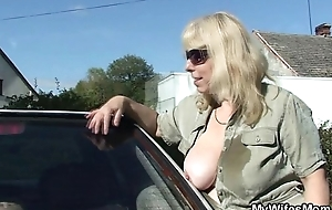 Great orts when she finds him fucking her mom