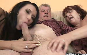 He outcome his GF riding his dad'_s blarney