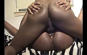 Ebony amateur in first video
