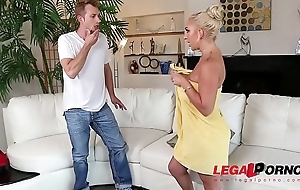 Sultry blondie Nina Kayy needs the brush penurious arsehole filled with big veiny cock GP338