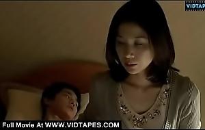 VIDTAPES.COM - Mom giving handjob to stepson