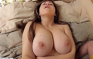 Strong Mudflaps on this Sexy Mom! Truly curvy big-breasted amateur MILF gets say no to shaved snatch licked &amp_ fucked with a vibrator
