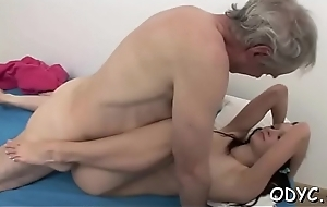 Dilettante babe lets an older dude permeate their way cuchy