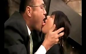 Japanese Schoolgirl se folla  a su profesor