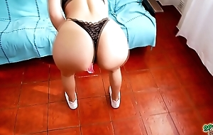 Most INCREDIBLE ASS Teen Twerking in Bootlace increased by Shorts OMG