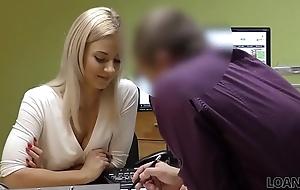 LOAN4K. Sin licencia de conducir, sexo con el agente de cr&eacute_dito