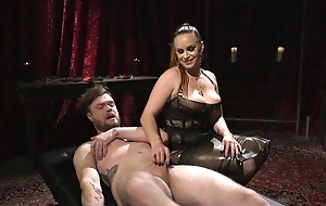 Submissive guy gets anally fucked by unpredictable intensify mistress