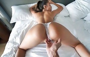 Horny Russian girl to a annihilator throng satisfies her stepbro in bed