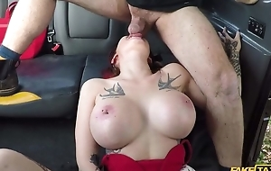 Big-breasted whore receives screwed by her cab driver